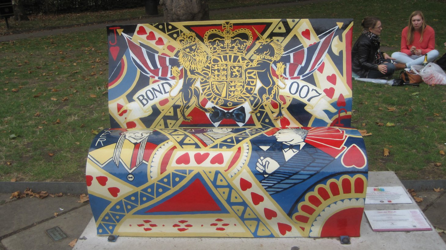 James Bond bench by Juliamaud