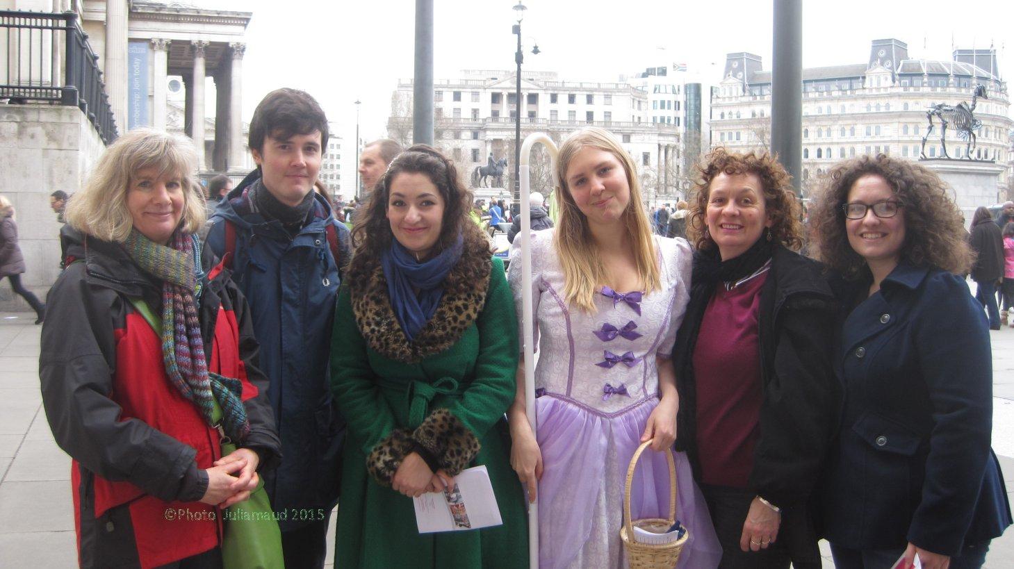 Easter Treasure Hunters in Trafalgar Square.copyright Juliamaud