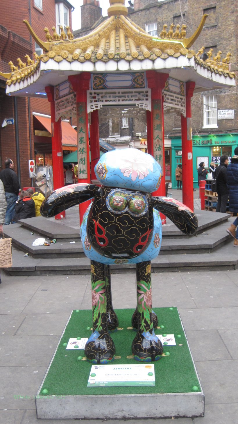 Shaun in Chinatown -  Photo copyright Juliamaud