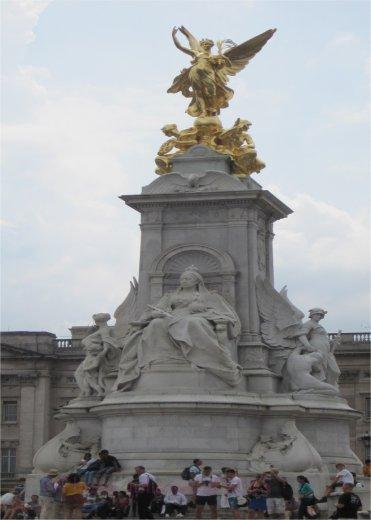 queen victoria by Juliamaud