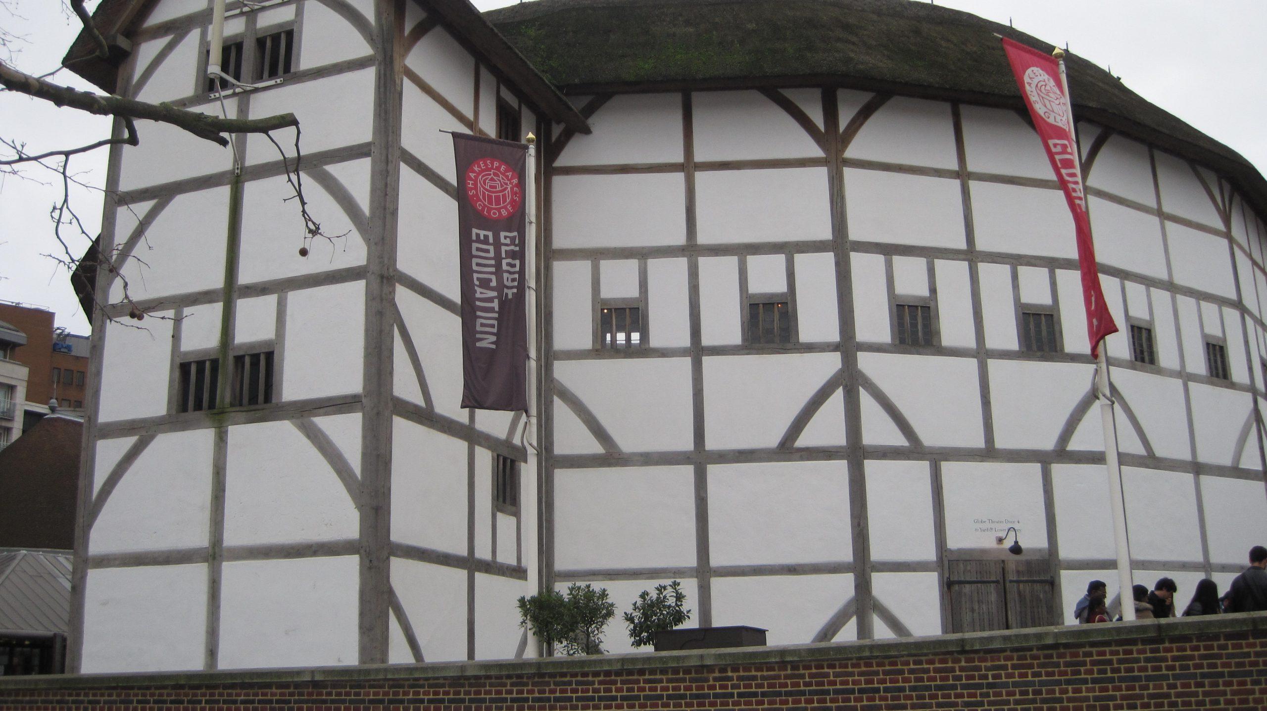 Globe Theatre by Juliamaud