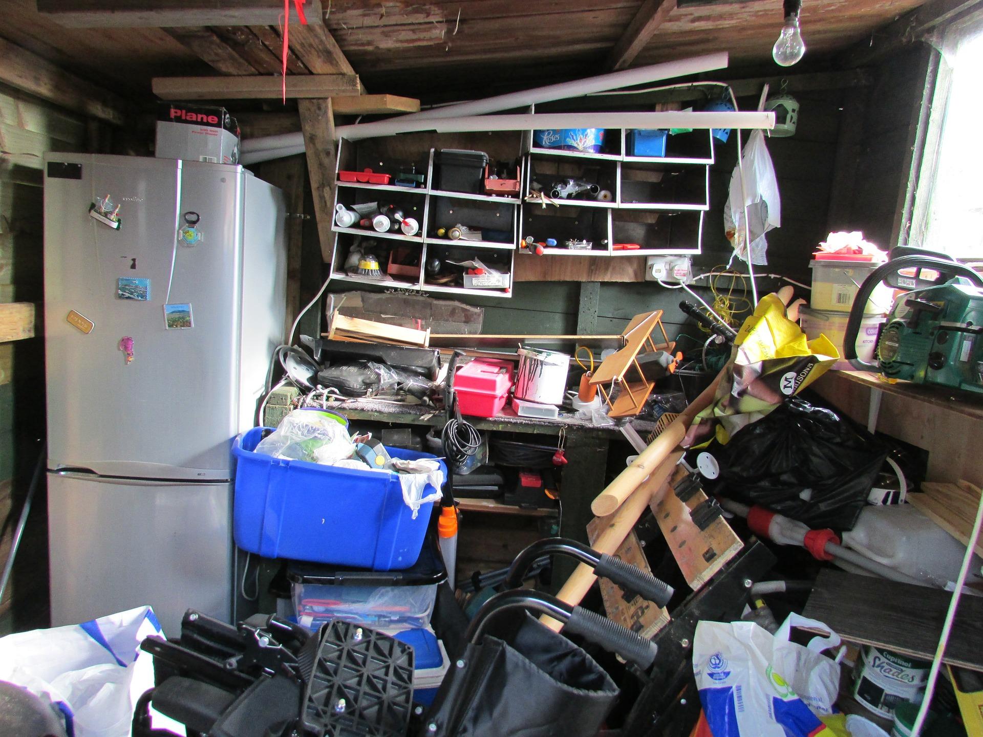Photo of clutter on Pixabay by Kasman