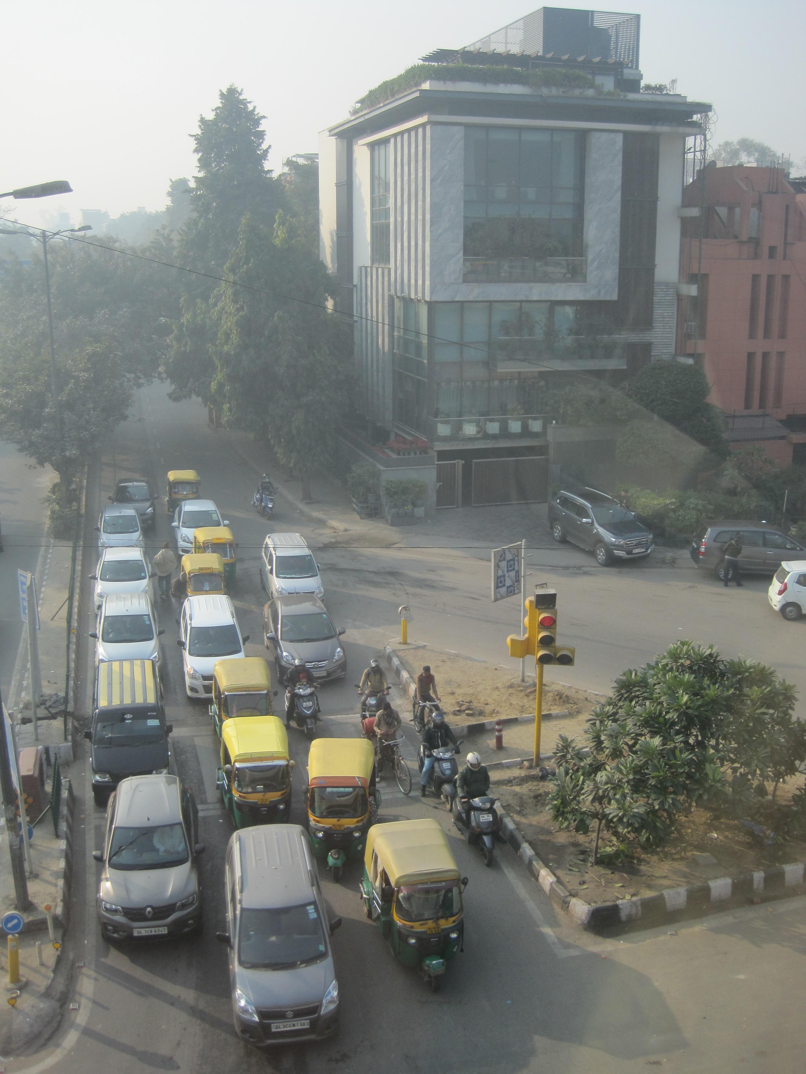 Driving through Delhi - photo by Juliamaud