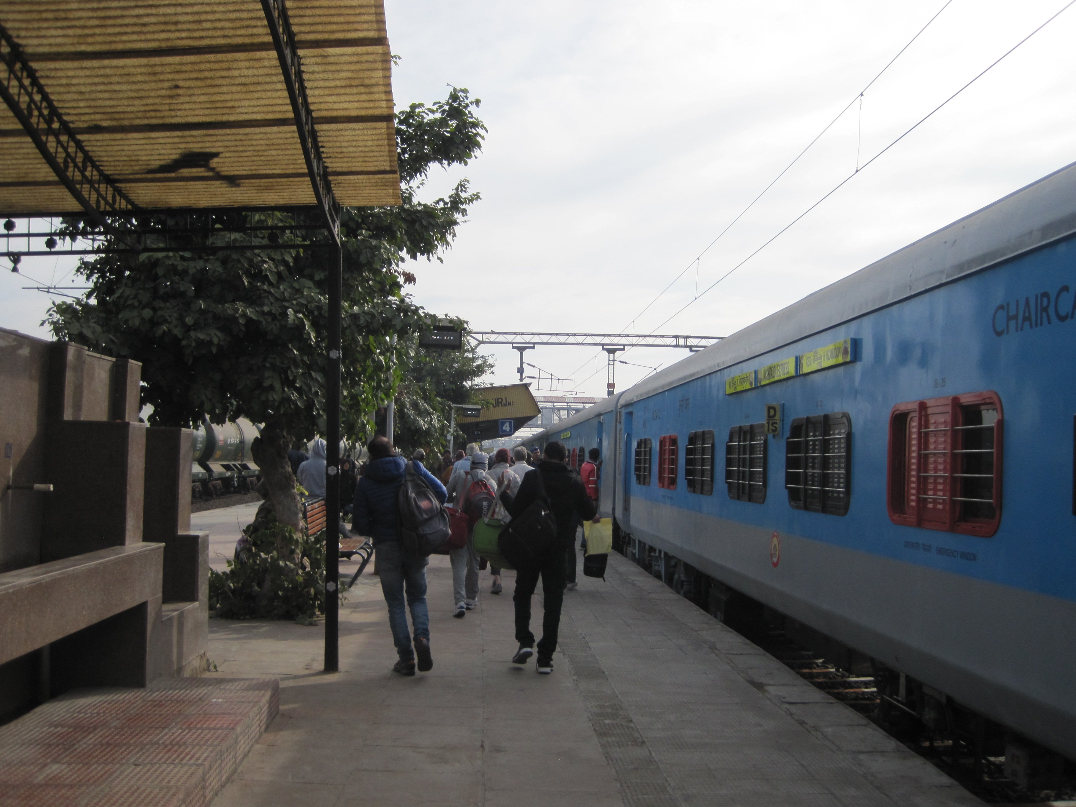 Arrival at Bharatpur - photo by Juliamaud