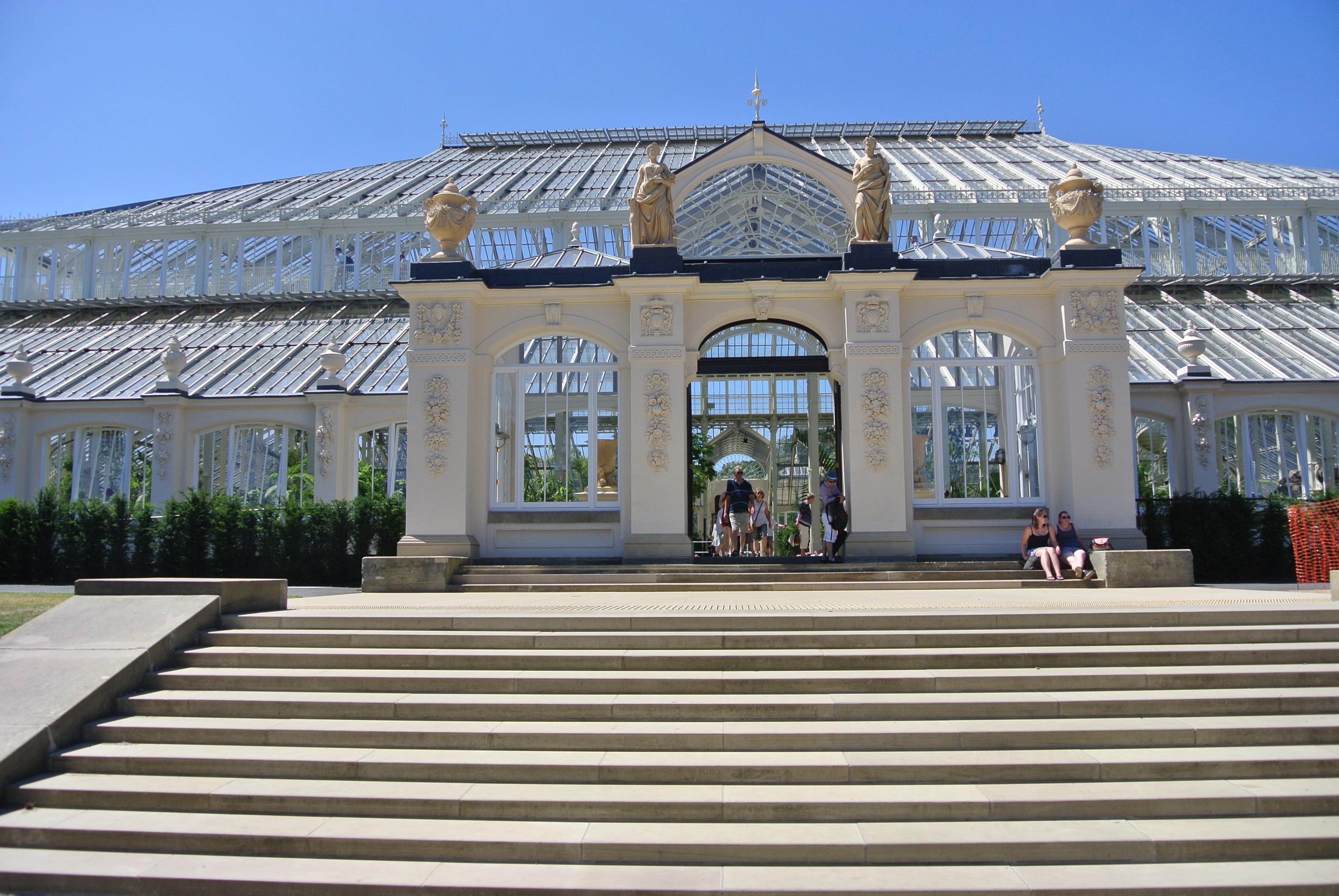 Royal Botanic Gardens, Kew - photo by Juliamaud
