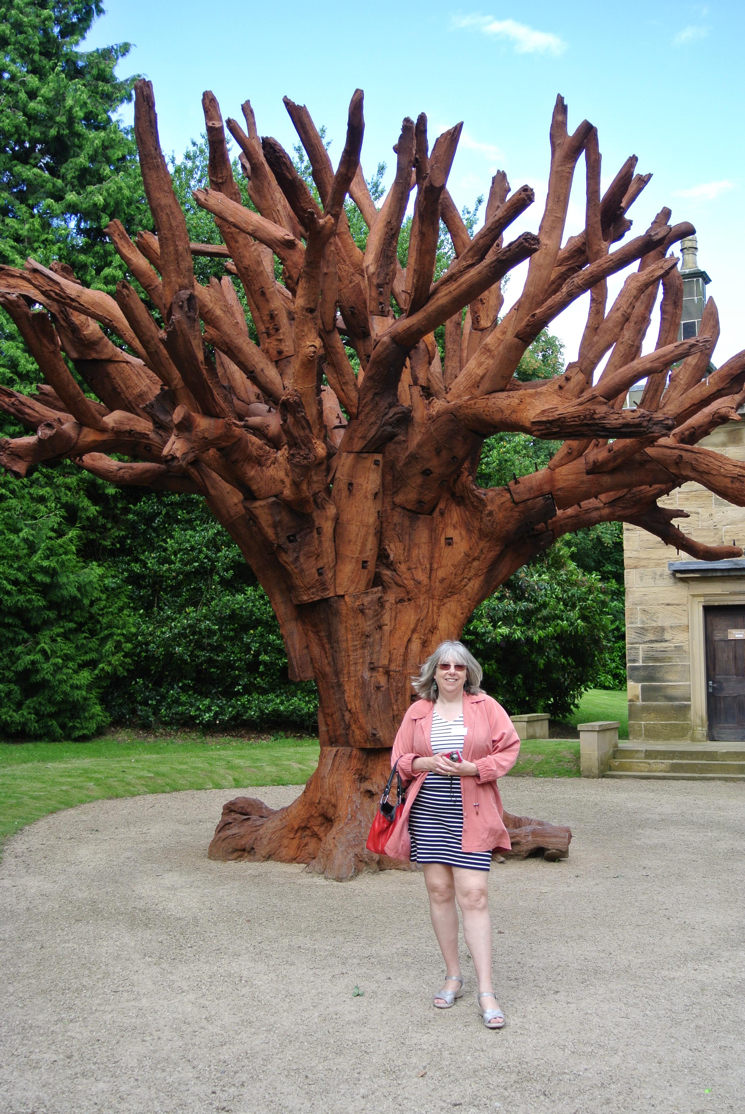 Ai Weiwei: Iron Tree - photo by Juliamaud