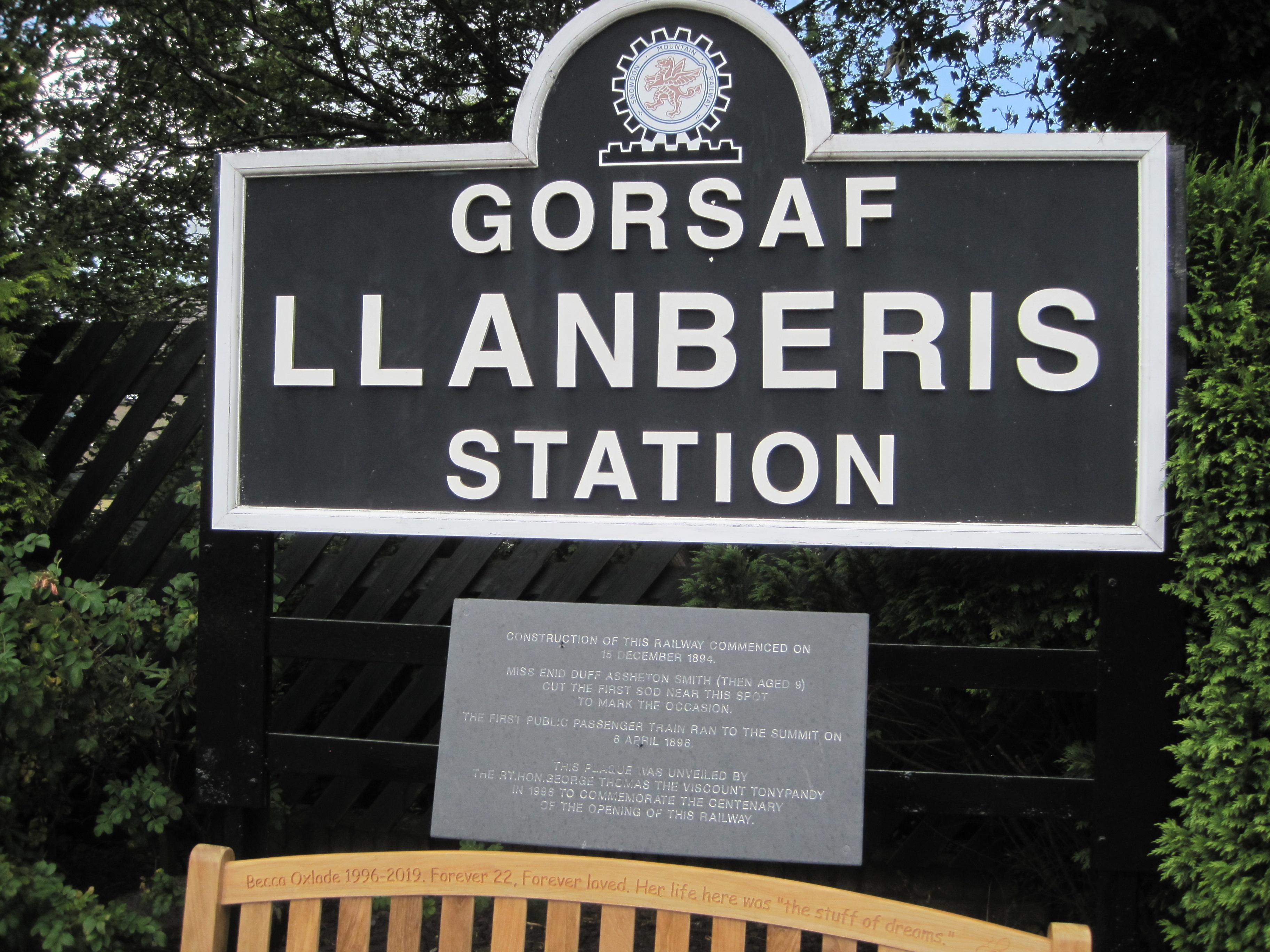 Llanberis Station - photo by juliamaud