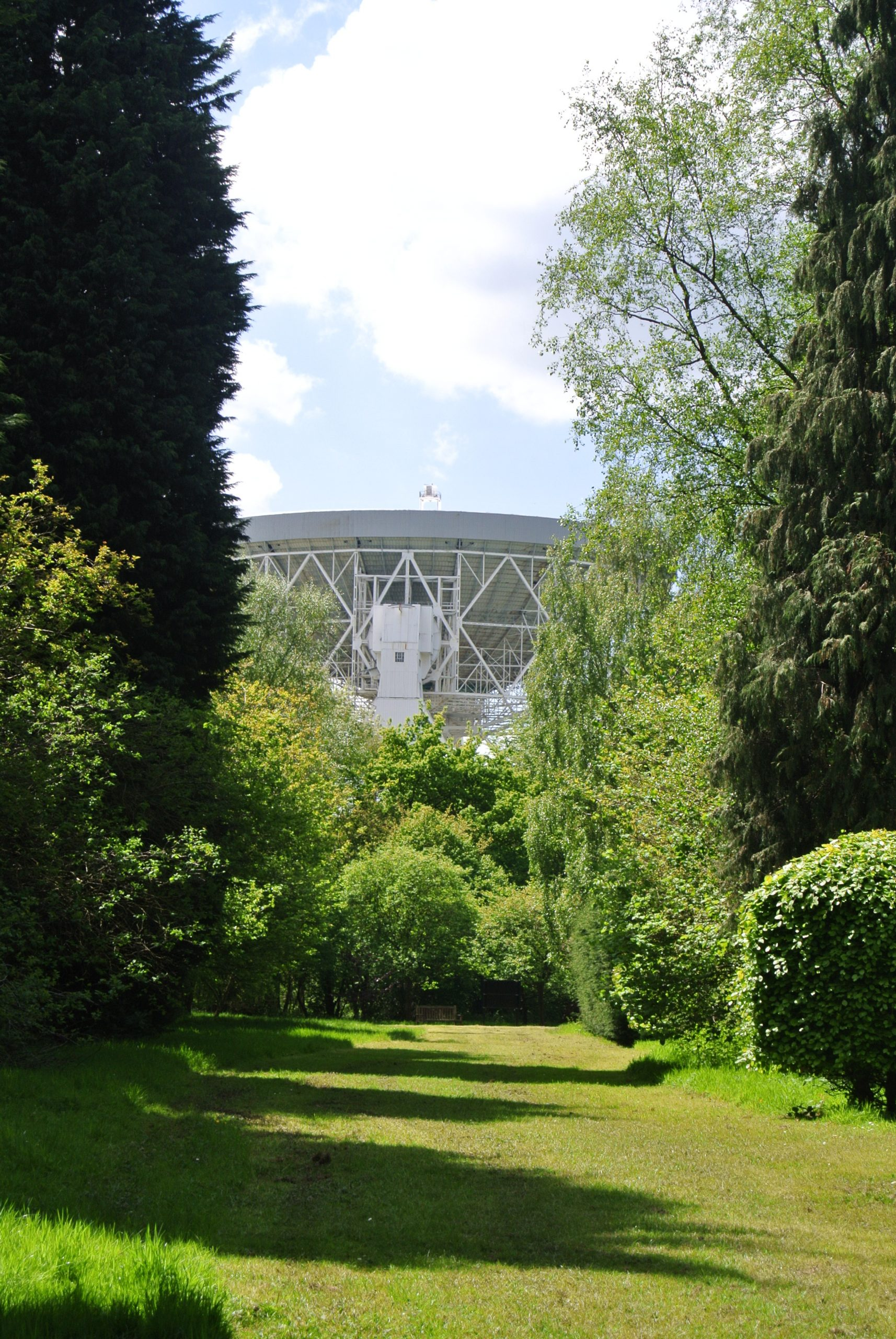 Jodrell Bank Observatory - photo by Juliamaud