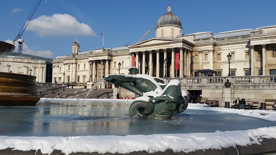 frozen fountain trafalgar square - photo by Juliamaud