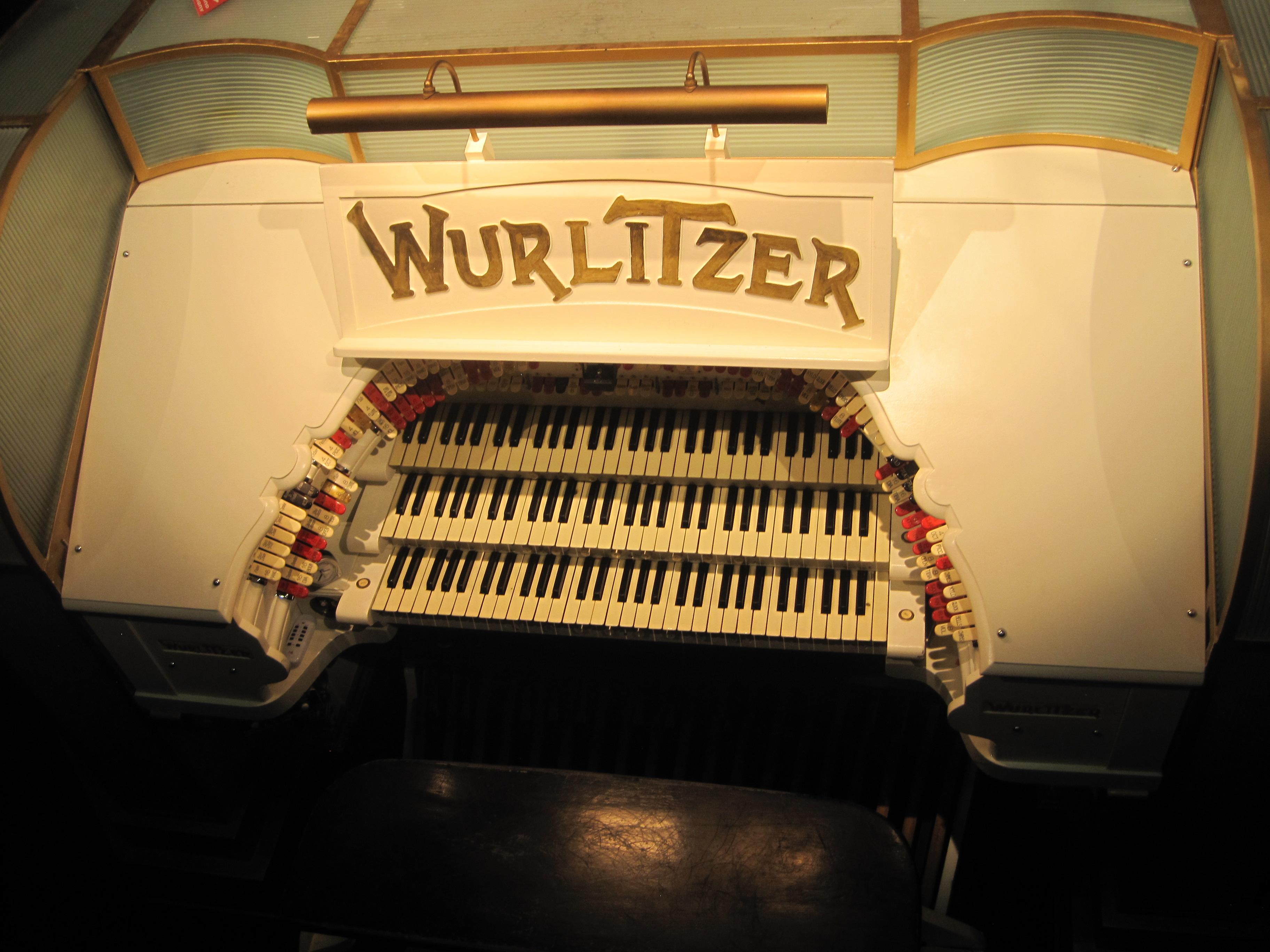 The Mighty Wurlitzer – photo by Juliamaud