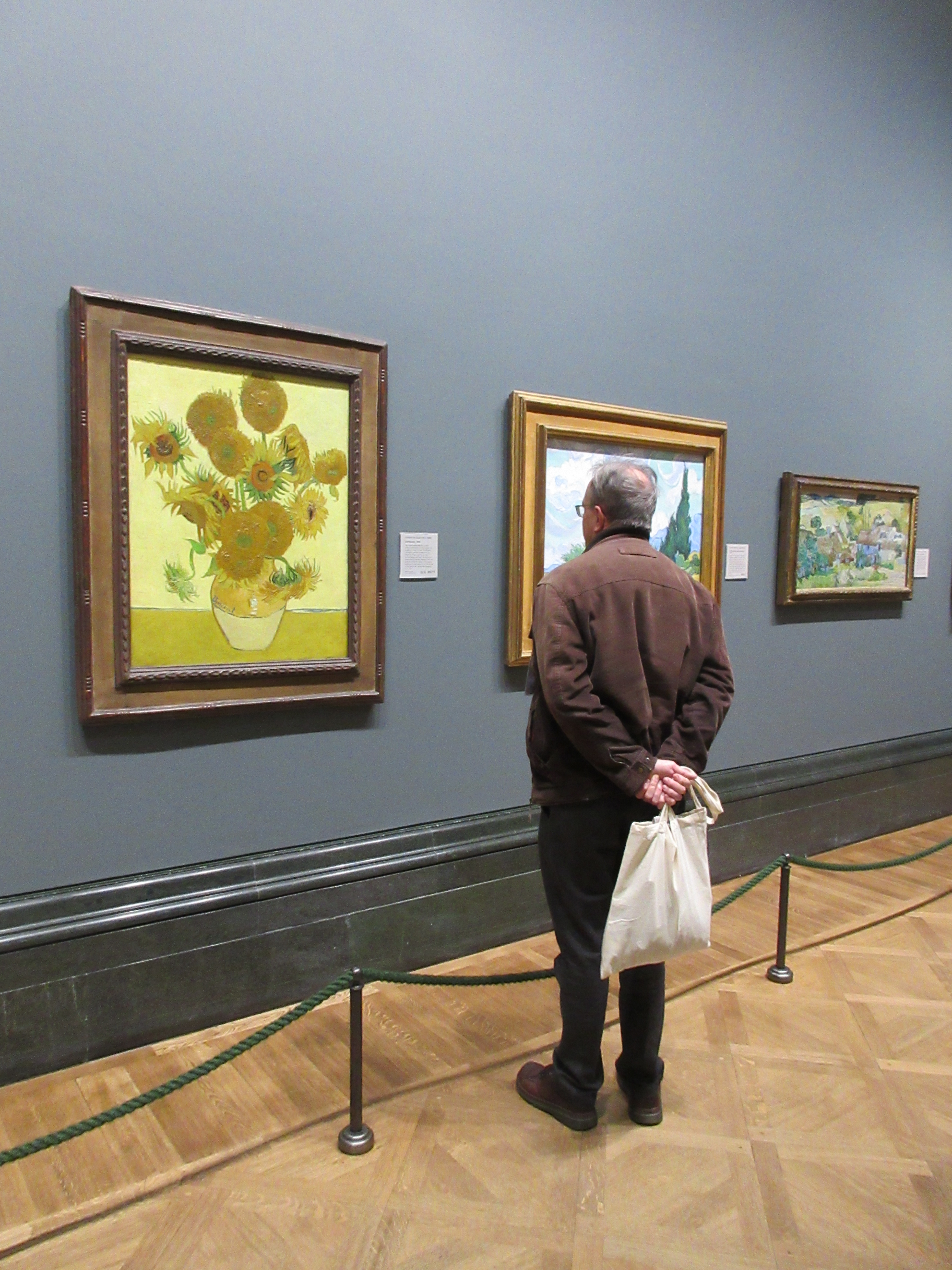 Sunflowers by Vincent van Gogh - photo by Juliamaud